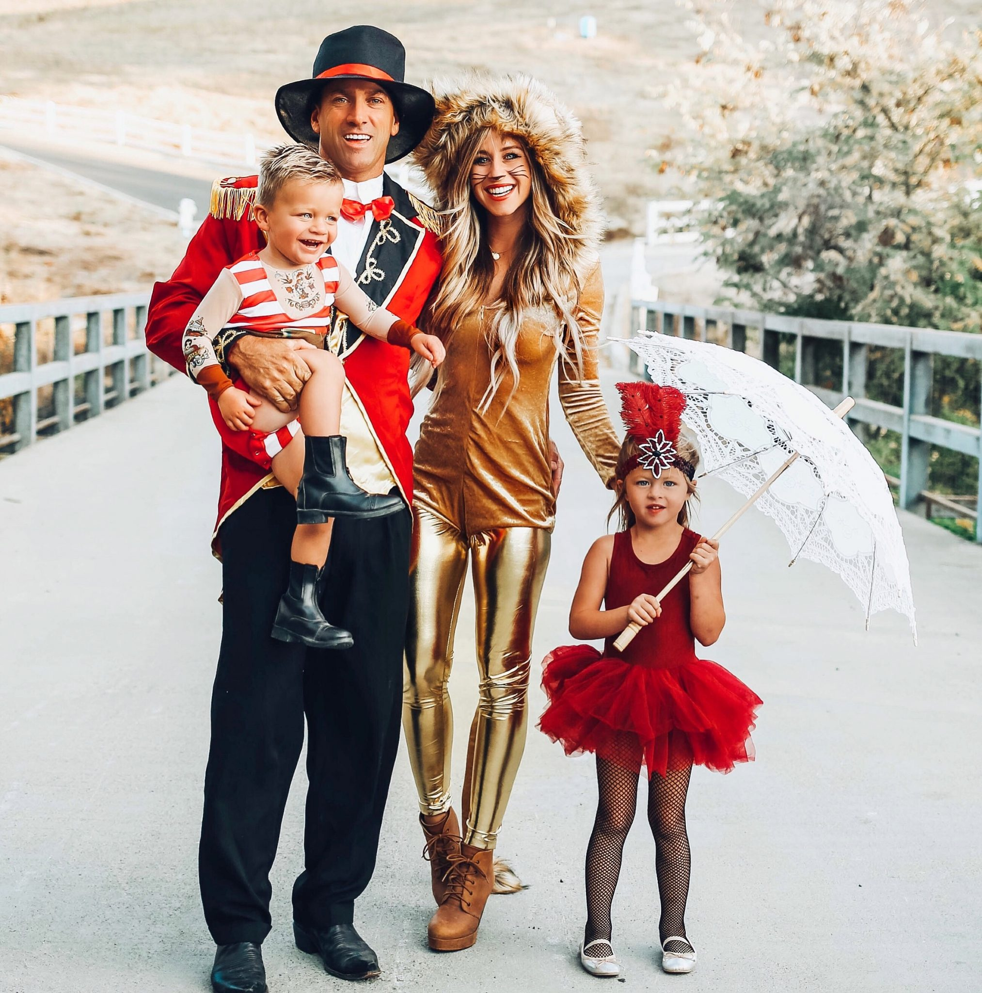The Greatest Showman Halloween Costume Dirt Roads And Dimples A